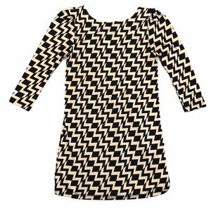 Bongo 3/4 Sleeve Chevron Mini Dress - Sz Small